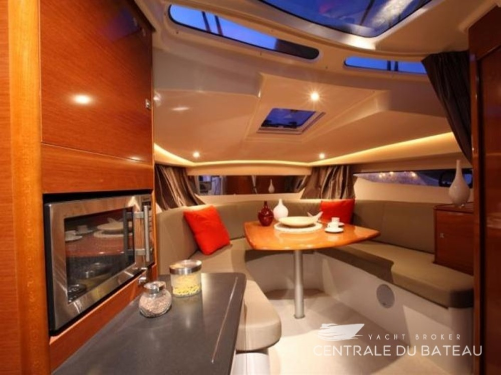 Rent a Jeanneau Leader 8 Grimaud