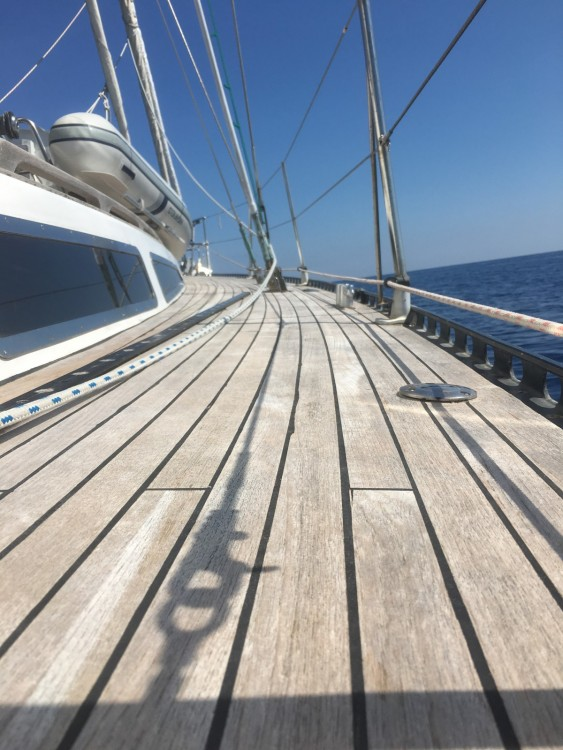 Sailboat for rent Senglea at the best price