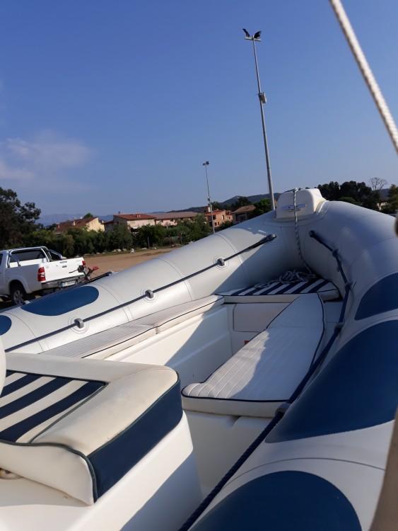 Valiant Valiant 620 Vanguard between personal and professional Corsica