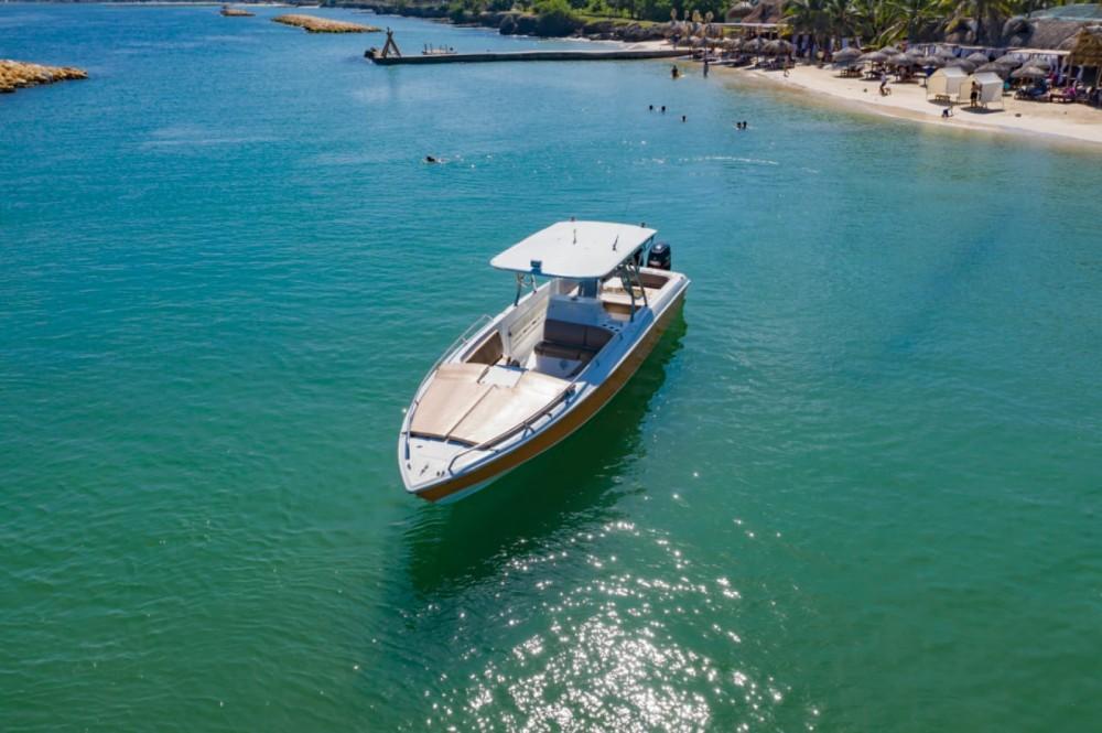Boat rental Intrepid 38 open in Cartagena on Samboat