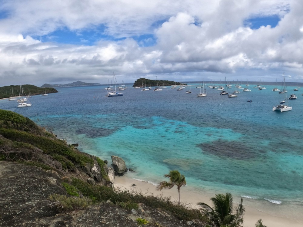 Rental Sailboat in Martinique - Bénéteau Oceanis 523 Clipper