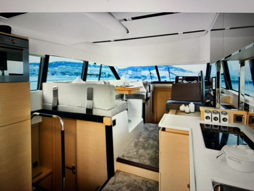 Hire Motorboat with or without skipper Jeanneau La Grande-Motte
