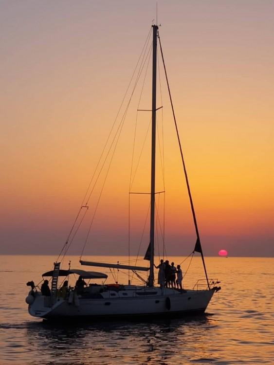 Rental Sailboat in Tourlos - Jeanneau Sun Odyssey 45.1