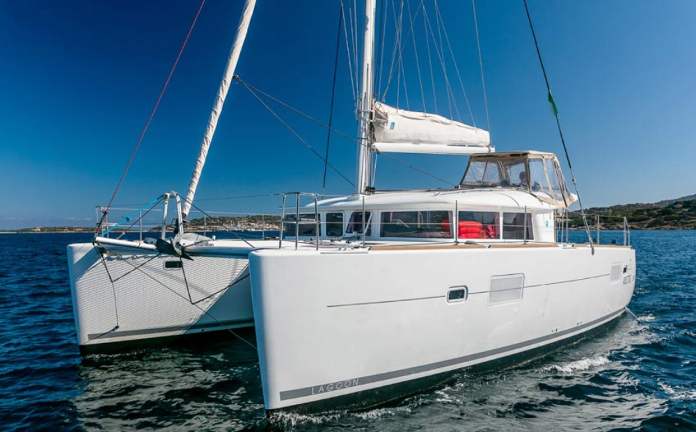 Hire Catamaran with or without skipper Lagoon Ayamonte