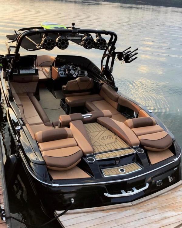 Rental yacht Saint-Tropez - Mastercraft XT20 on SamBoat