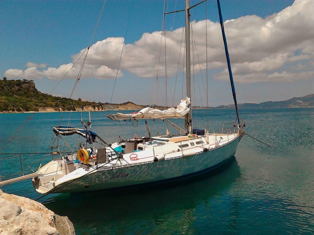 Rent a Atlantic 49 Zakynthos