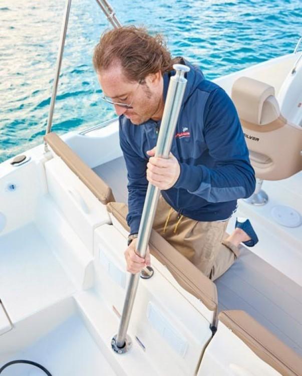Boat rental La Rochelle cheap Activ 675 Open