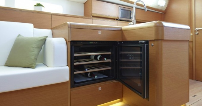 Jeanneau Sun Odyssey 509 between personal and professional Corfu