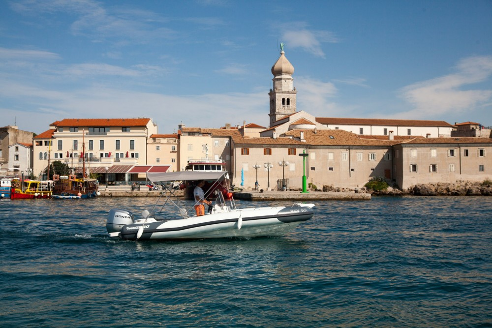 RIB for rent Croatie at the best price