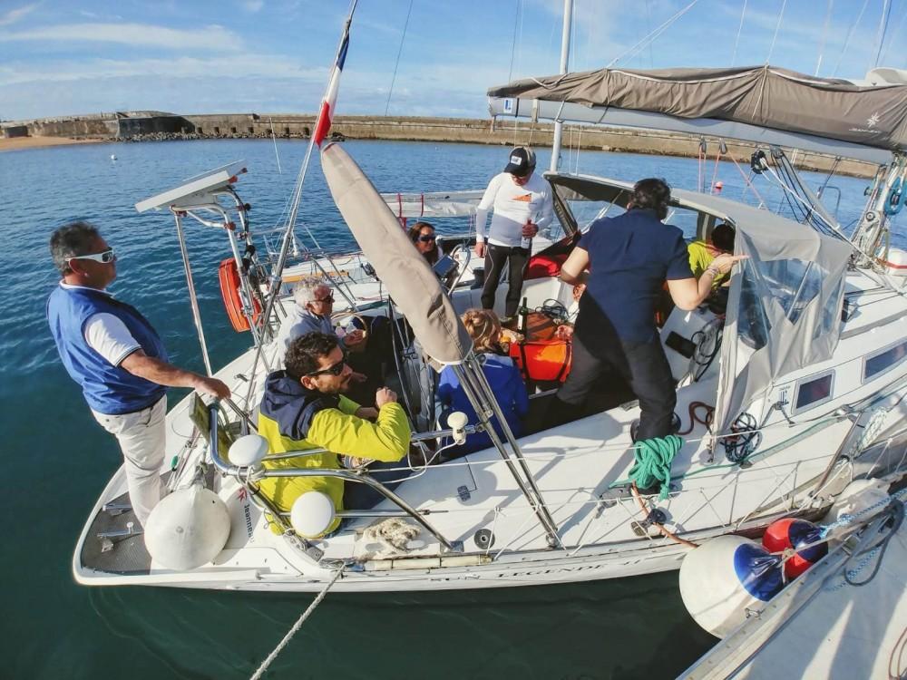 Boat rental Jeanneau Sun Legend 41 in Hendaye on Samboat