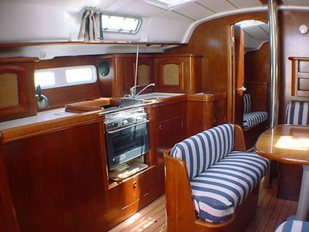 Rental yacht Milazzo - Bénéteau Oceanis 411 Clipper on SamBoat