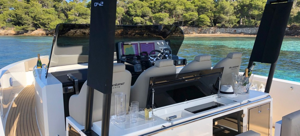 Rental yacht Saint-Jean-Cap-Ferrat - De Antonio D42 on SamBoat