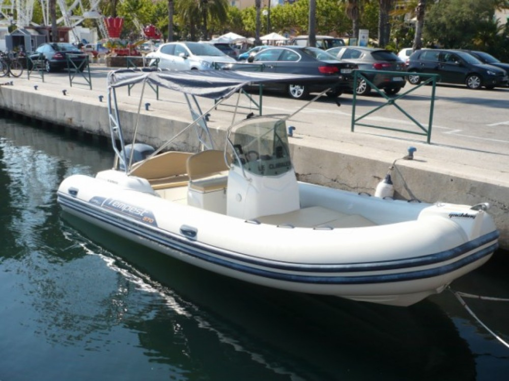 Hire RIB with or without skipper Capelli Marseille