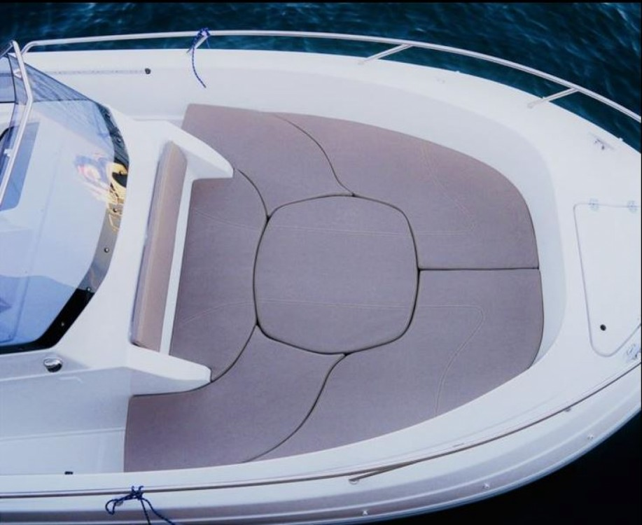 Boat rental Pacific Craft Pacific Craft 670 Open in Le Lavandou on Samboat