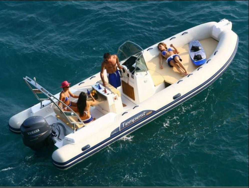Boat rental Capelli Capelli 690 in Le Lavandou on Samboat