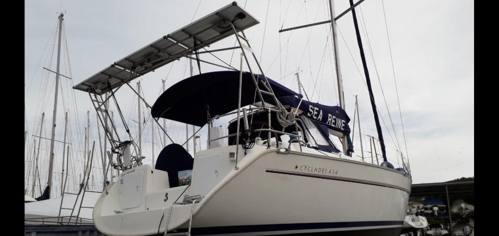 Hire Sailboat with or without skipper Bénéteau Six-Fours-les-Plages