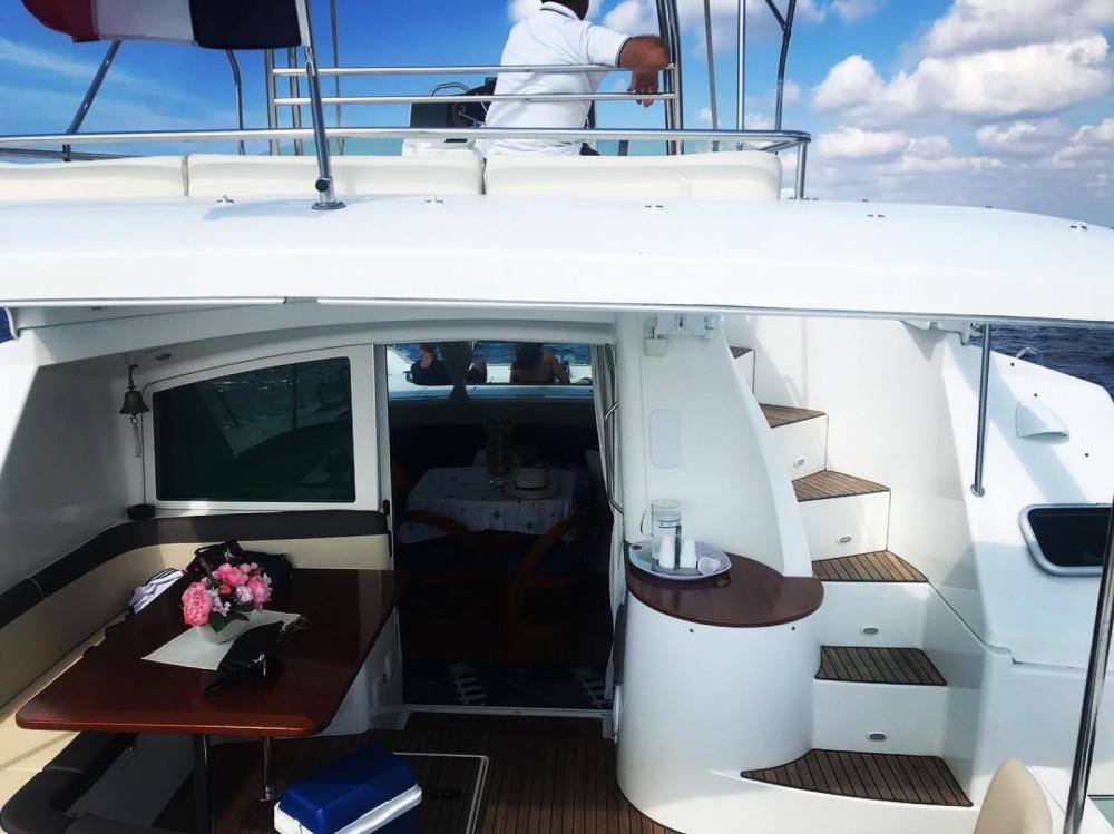 Rental Catamaran in Porto Cesareo - Lagoon Lagoon 43 Power