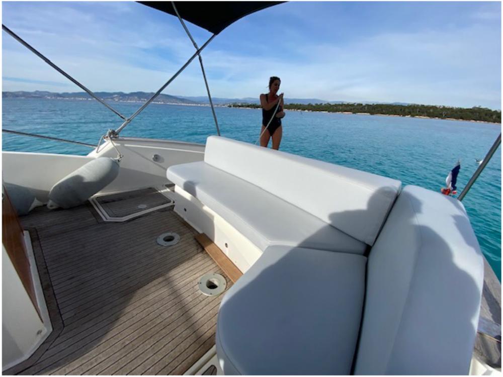 Rental Motor boat in Mandelieu-la-Napoule - Open 35 open cabin cruiser