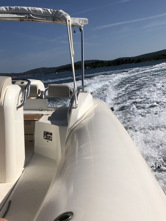 Rental yacht Grad Biograd na Moru - Nuova Jolly Blackfin 25 Elegance on SamBoat