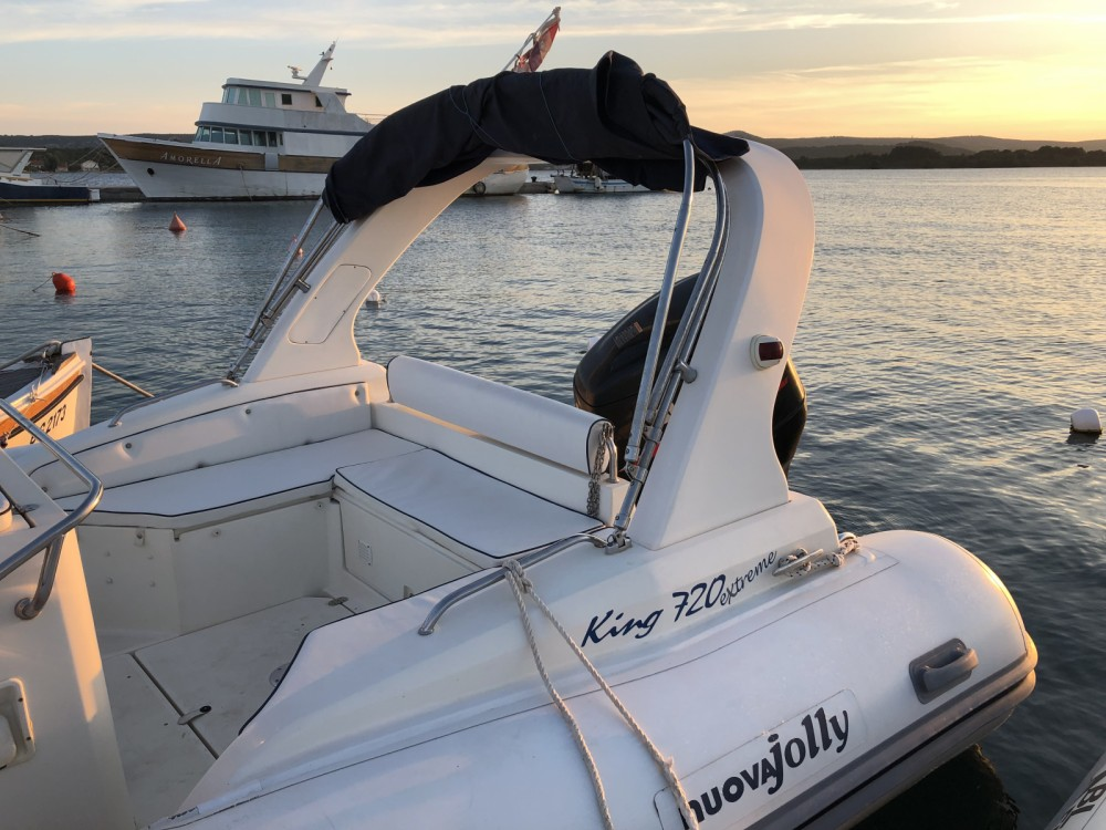 Rent a Nuova Jolly King 720 Extreme Grad Biograd na Moru