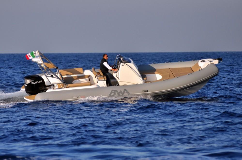 Boat rental Bwa GTO 28 in Cogolin on Samboat