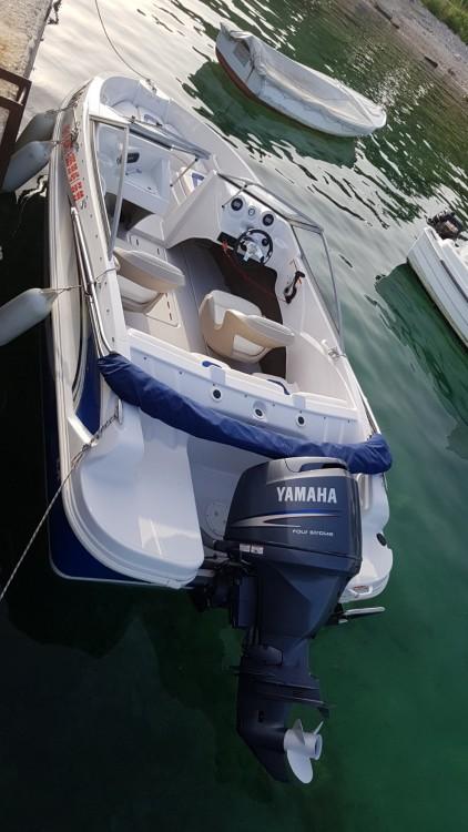 Boat rental Glastron 170 sx in Fažana on Samboat