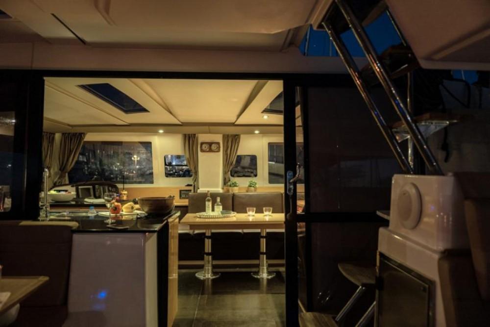 Rental yacht Athens - Fountaine Pajot Helia 44 on SamBoat