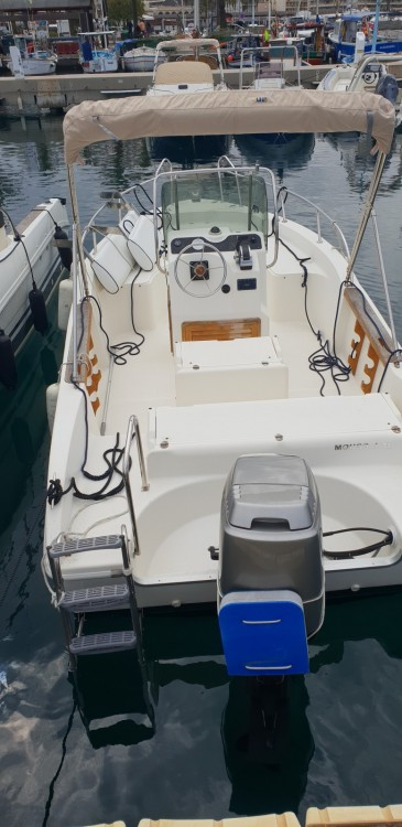 Rental Motorboat in Cavalaire-sur-Mer - Capelli Cap 18