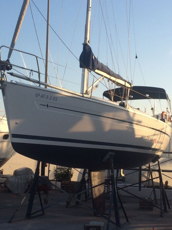 Rental Sailboat in Altea - Bavaria Bavaria 36 Cruiser