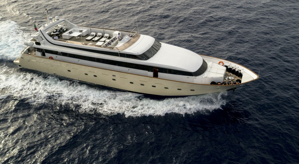 Yacht for rent Dénia at the best price