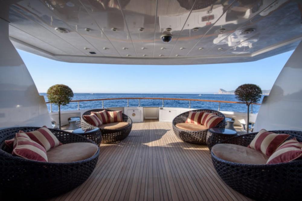 Rental Yacht Mondomarine with a permit