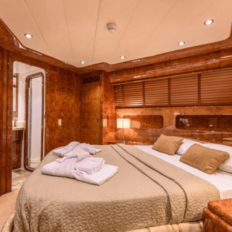 Boat rental Mondomarine mondomarine 120 in Dénia on Samboat