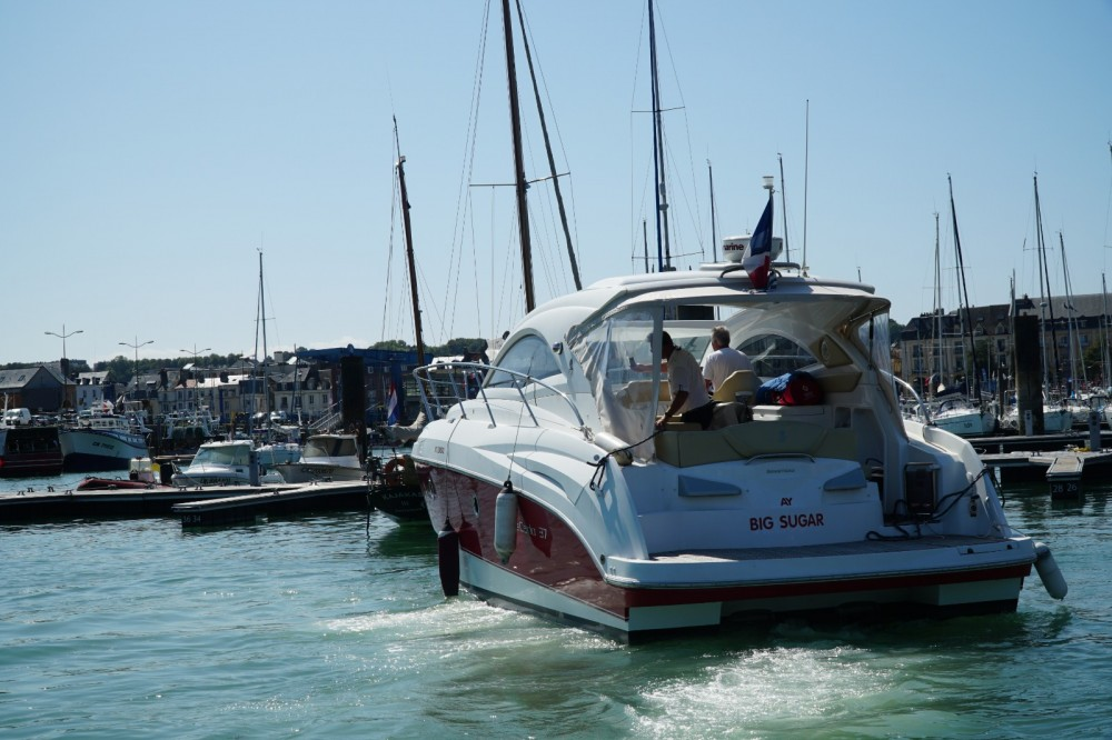 Motor boat for rent Saint-Valery-sur-Somme at the best price