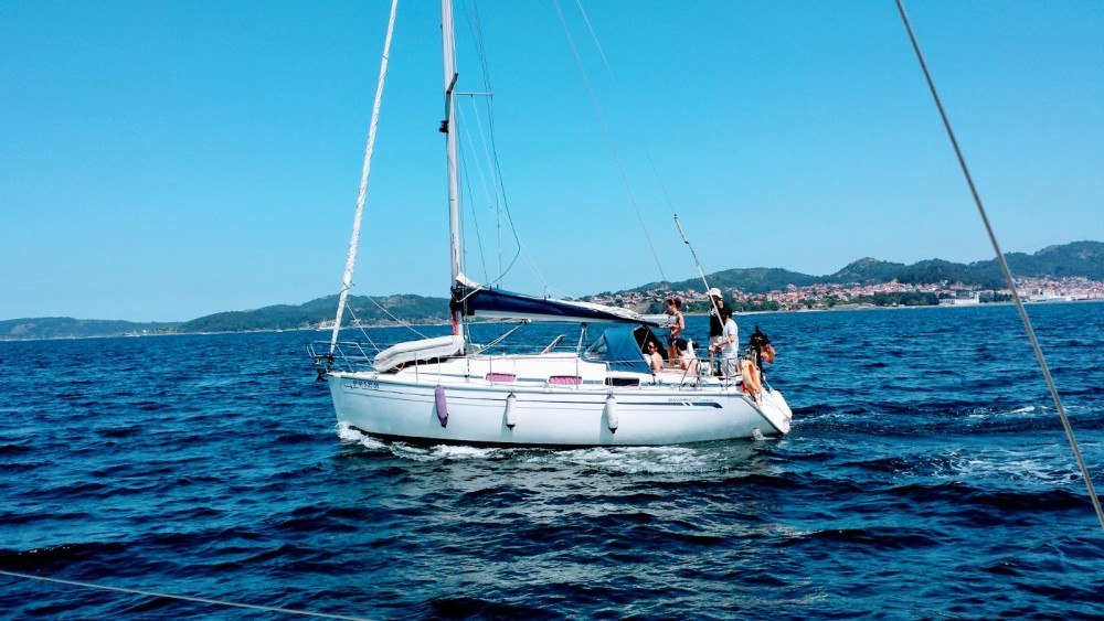 Hire Sailboat with or without skipper Bavaria Sanxenxo