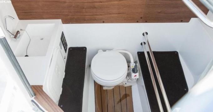 Rental Motorboat in Trogir - Axopar 28 cabin