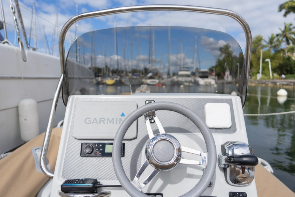 Hire RIB with or without skipper Zodiac Pointe-à-Pitre
