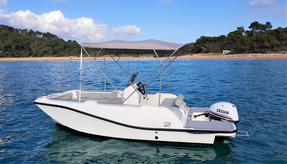 V2 BOATS 5.0 SPORT between personal and professional Palamós