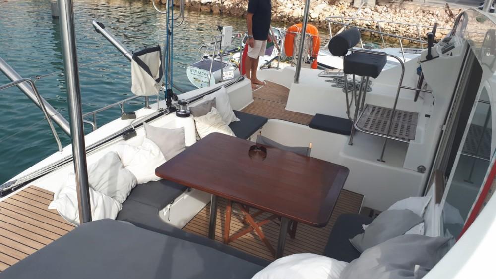 Boat rental Lagoon Lagoon 410 in Sanxenxo on Samboat
