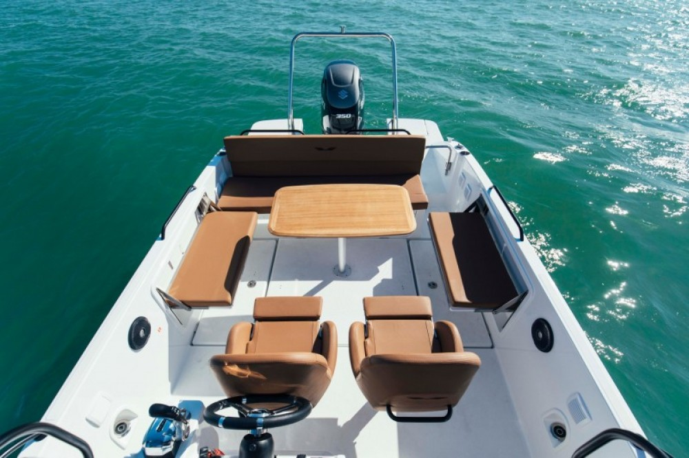 Boat rental Hyères cheap Flyer 8 SPACEdeck