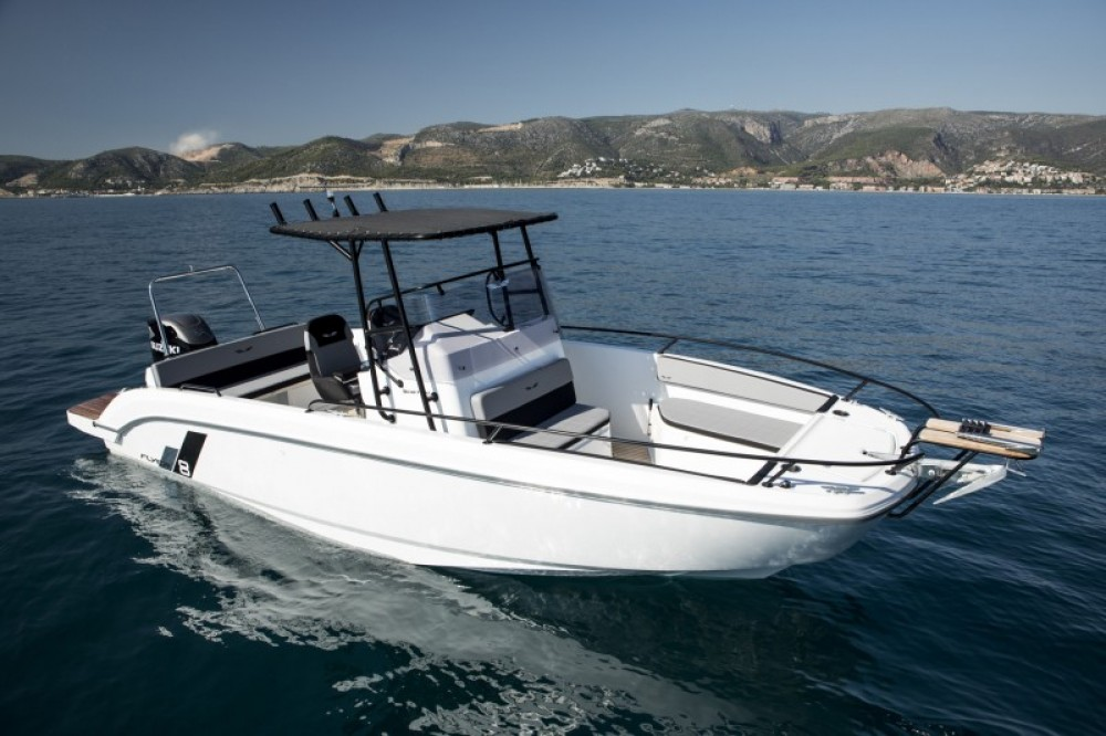 Hire Motor boat with or without skipper Bénéteau Hyères