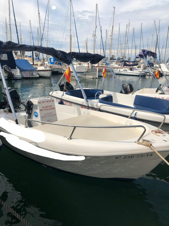 Boat rental Estable 400 in Sitges on Samboat