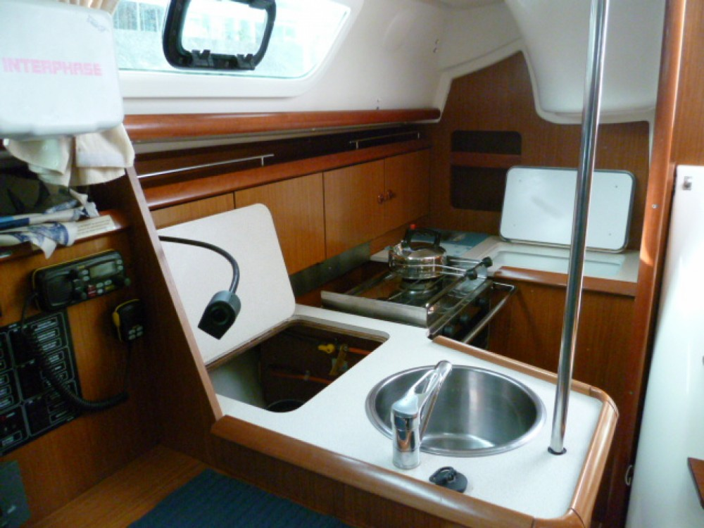 Rental Sailboat in Arzon - Jeanneau Sun Odyssey 32i
