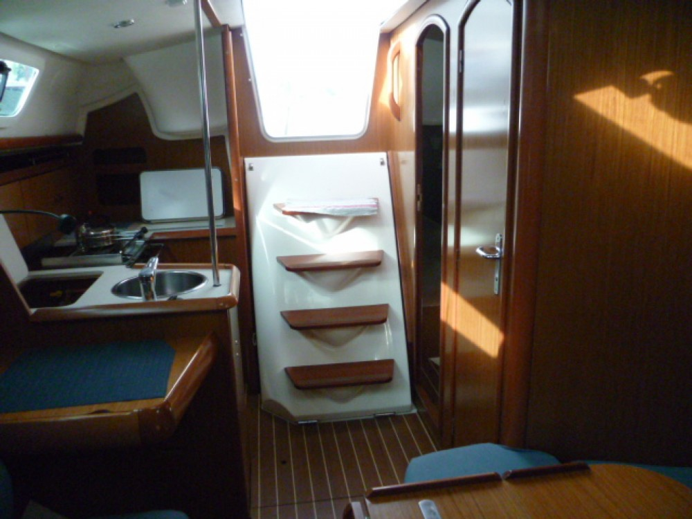 Rental yacht Arzon - Jeanneau Sun Odyssey 32i on SamBoat
