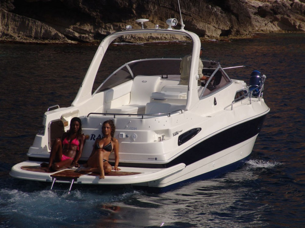 Hire Motor boat with or without skipper C.N. Arturo Stabile Catania