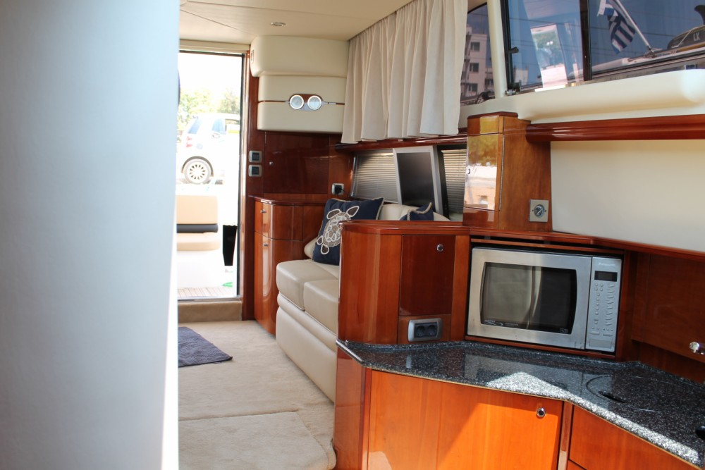 Boat rental Princess Princess 40 Fly in Piso Livadi on Samboat