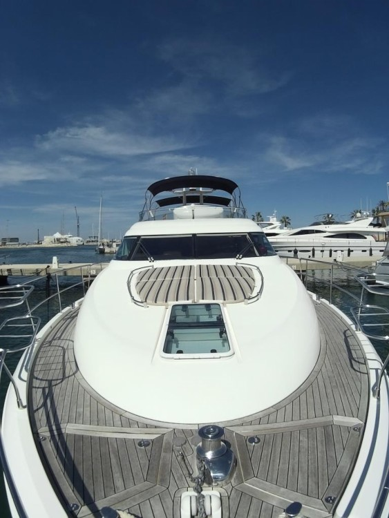 Boat rental Fairline Squadron 58 in Dénia on Samboat