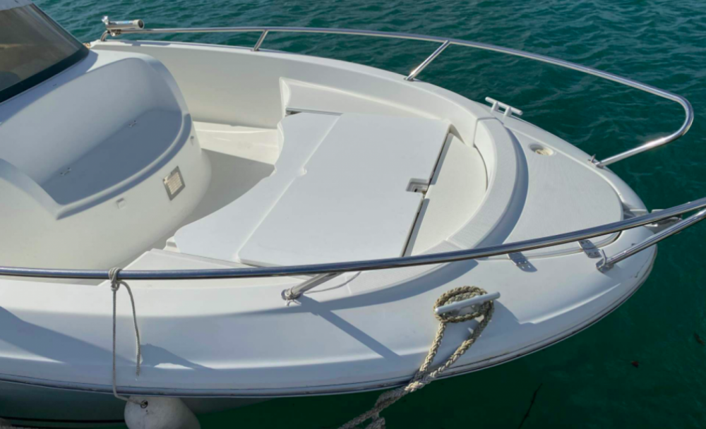 Hire Motor boat with or without skipper Bénéteau Hendaye