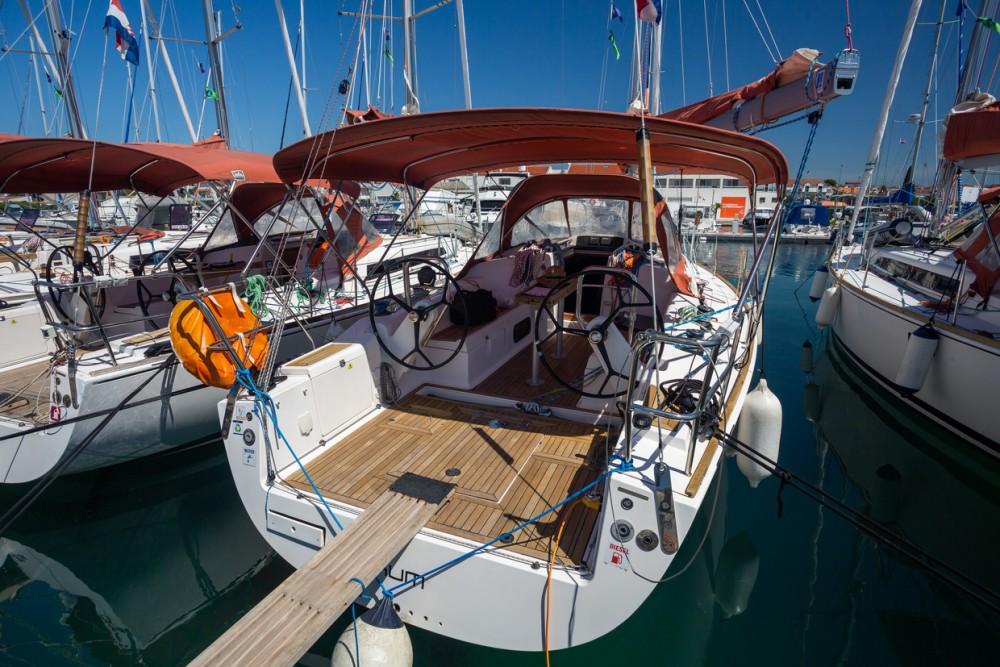 Boat rental Split cheap Salona 38