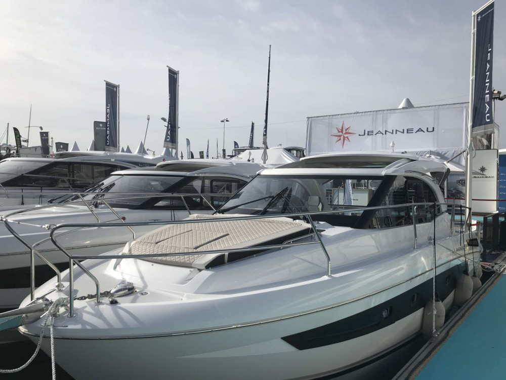 Motor boat for rent Cogolin at the best price