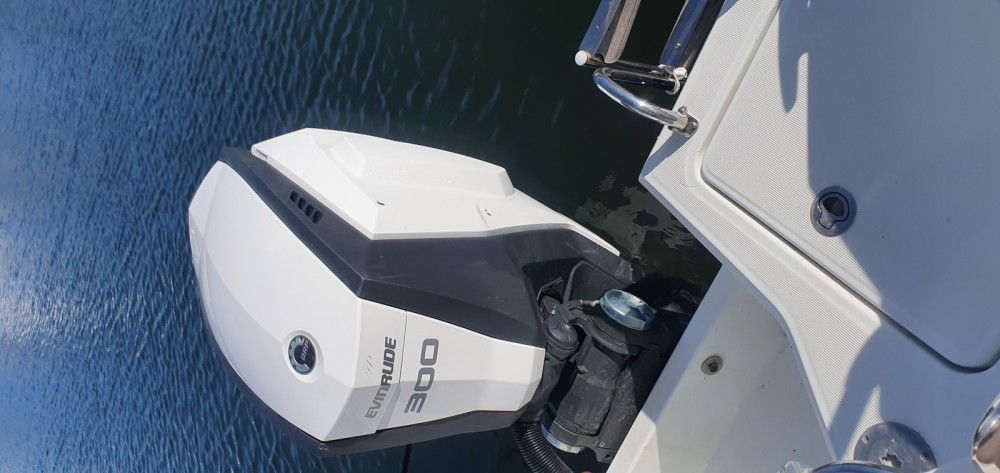 Rental Motor boat in Saint-Florent - Jeanneau Cap Camarat 755 WA serie 2